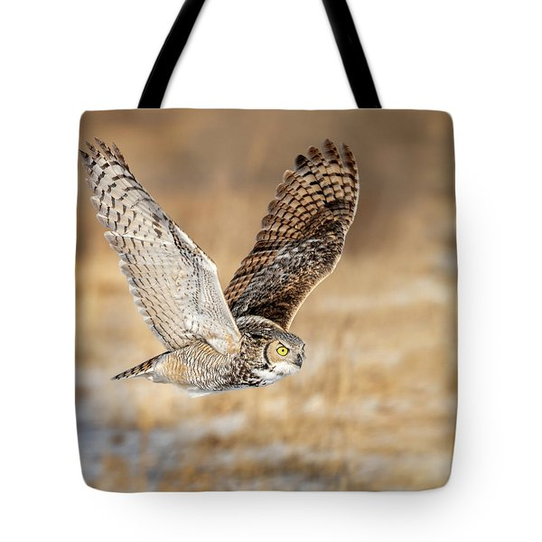 Great Horned Owl In Flight Tote Bag