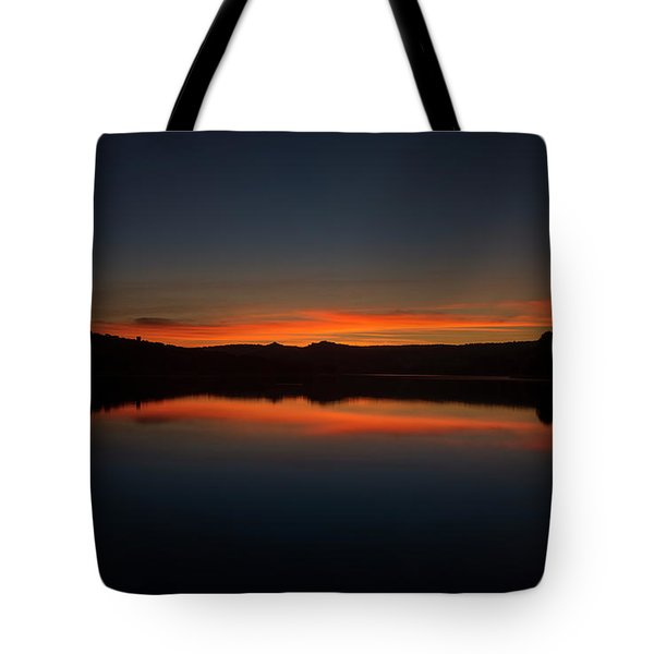 Sunset In The Reservoir Tote Bag