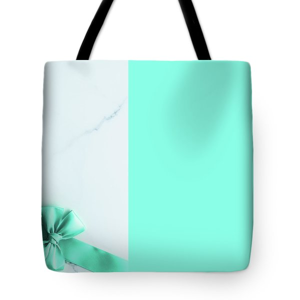 Tote Bag featuring the photograph Hello Holiday V by Anne Leven