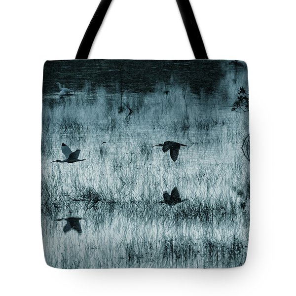 Ibsis Flying In At Sunset To Roosting Ground Tote Bag