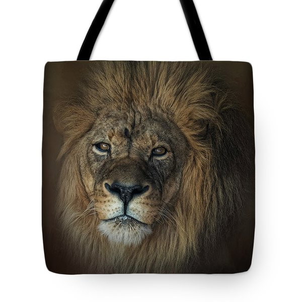 King's Gaze Tote Bag