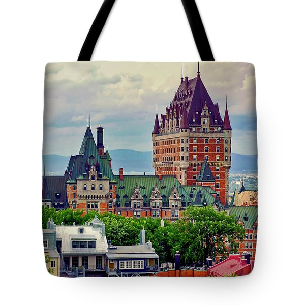 Le Chateau Frontenac Tote Bag