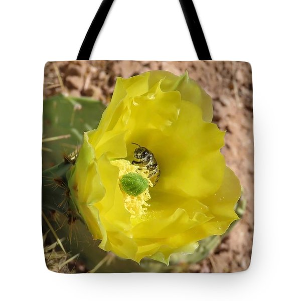 Leaf-cutter Bee Bathing In Gold Tote Bag