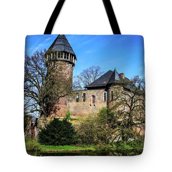 Linn Castle Tote Bag