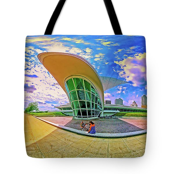 Tote Bag featuring the photograph Milwaukee Art Musem  Tom Jelen by Tom Jelen