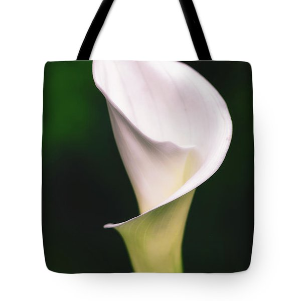 Tote Bag featuring the photograph Natural Grace by Laura Roberts