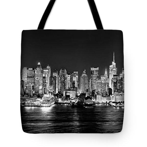 New York City Nyc Skyline Midtown Manhattan At Night Black And White Tote Bag