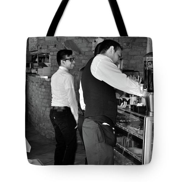 Tote Bag featuring the photograph New York, New York 18 by Ron Cline
