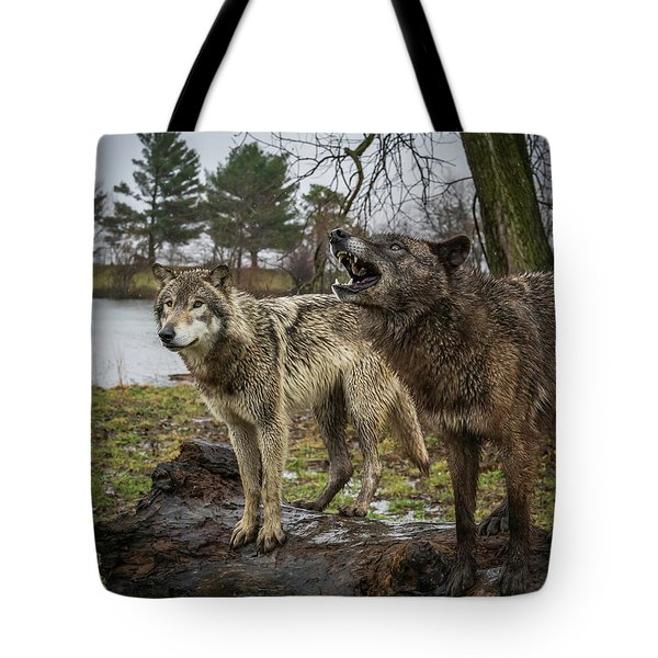 Noisy Wolf Tote Bag