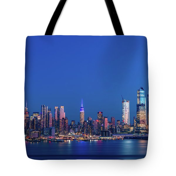 Tote Bag featuring the photograph Nyc The Blue Hour by Francisco Gomez