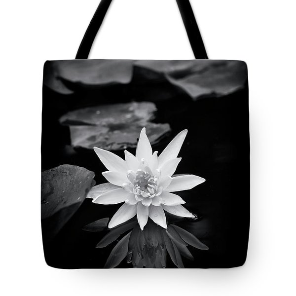 Nymphaea Gold Medal Flower Tote Bag