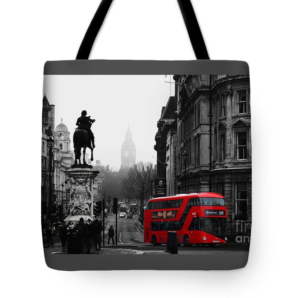 On A Cold Winters Day In London Tote Bag