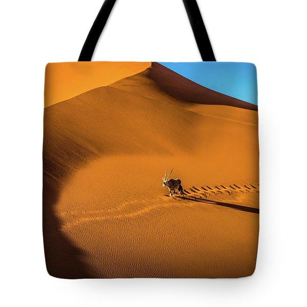 Oryx Crossing Big Daddy Dune, Sossusvlei, Namibia Tote Bag