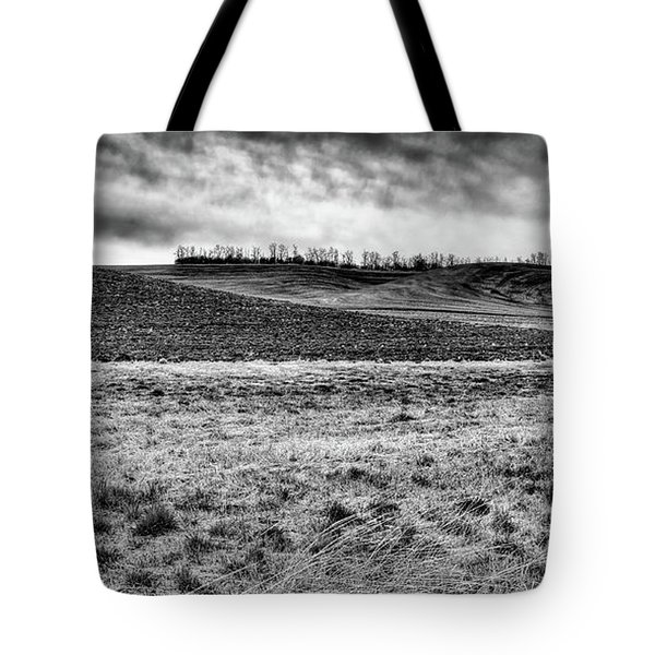 Tote Bag featuring the photograph Palouse Treeline by David Patterson