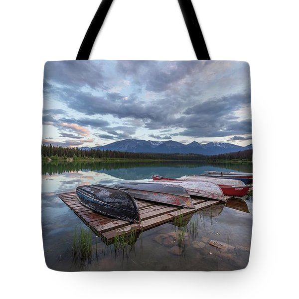 Tote Bag featuring the photograph Patricia Lake Sunset by Paul Schultz