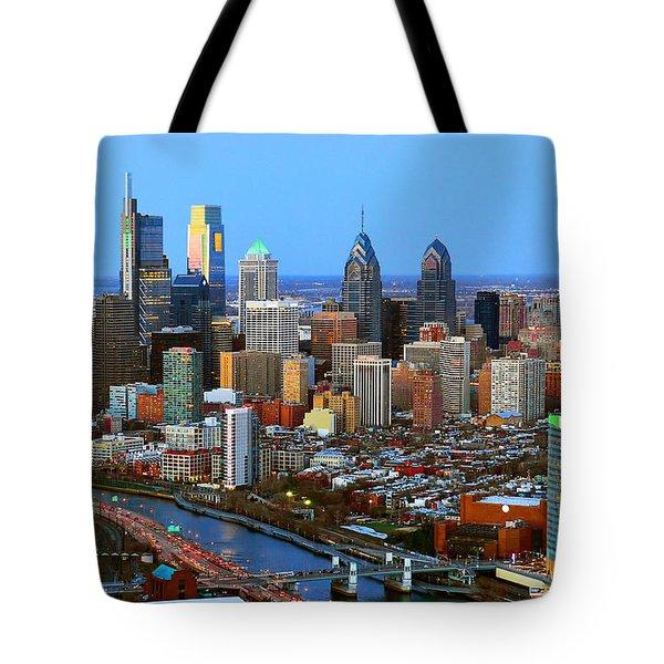 Philadelphia Skyline At Dusk 2018 Tote Bag