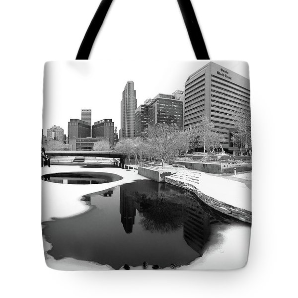 Reflection Of Omaha - Winter - Black And White Tote Bag
