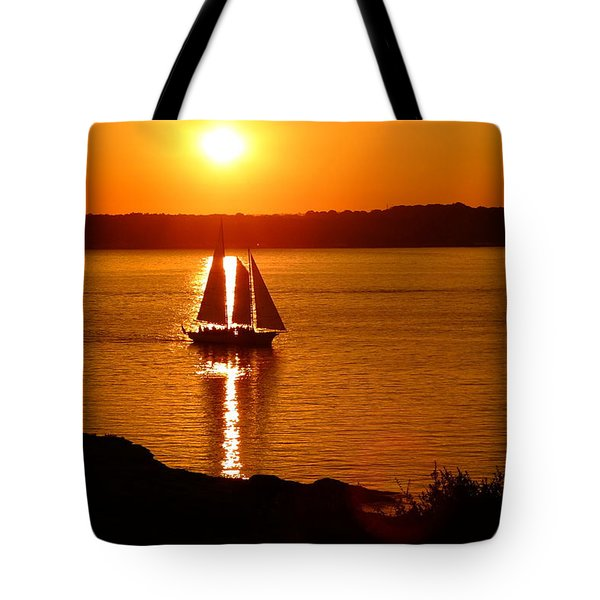 Sailing At Sunset Tote Bag