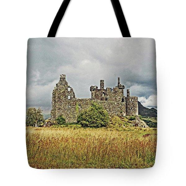 Scotland. Loch Awe. Kilchurn Castle. Tote Bag