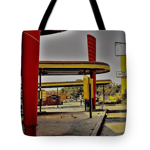 Tote Bag featuring the photograph Sonic  by Randy Sylvia