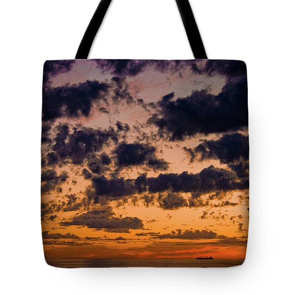 Sunset Over The Indian Ocean Tote Bag