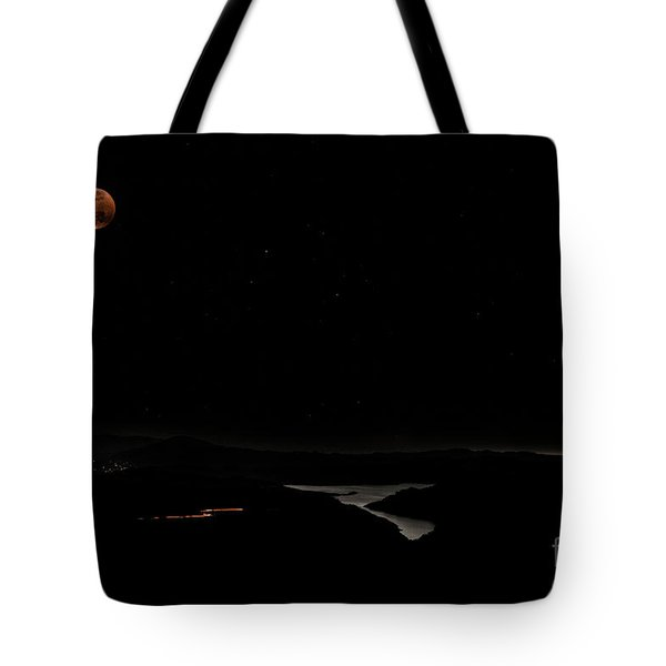 Super Blood Wolf Moon Eclipse Over Lake Casitas At Ventura County, California Tote Bag
