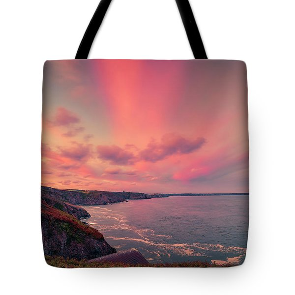 The Lizard Point Sunset Tote Bag