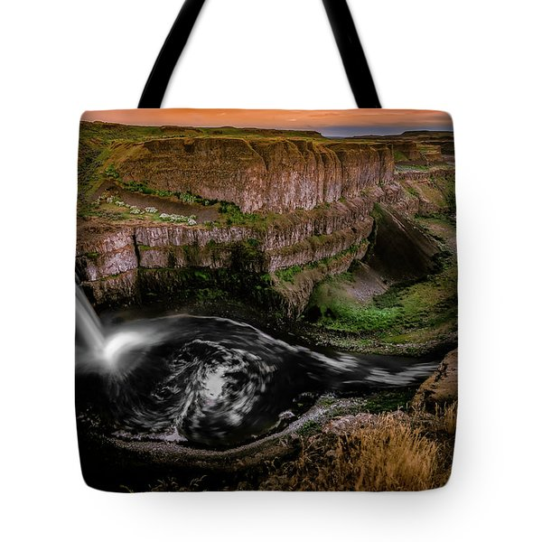 Tote Bag featuring the photograph The Palouse by Francisco Gomez