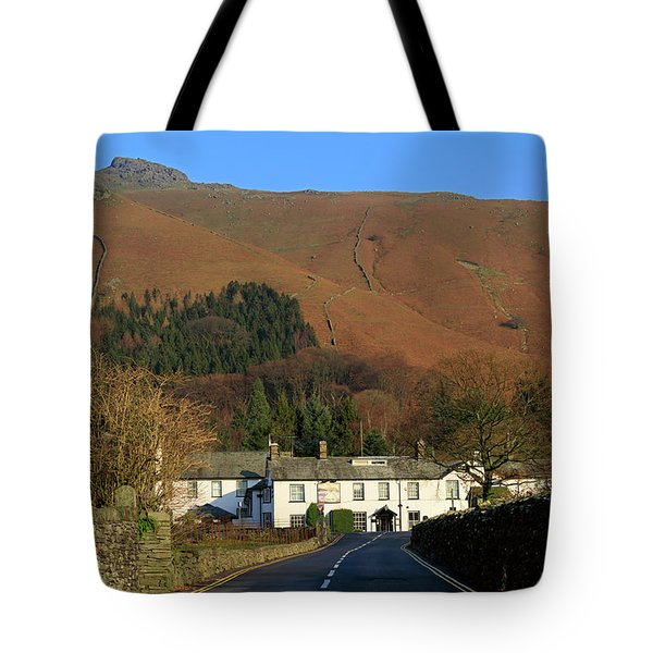 The Swan Inn And Rydal Fell From Grasmere Village Lake District Tote Bag