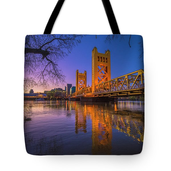 Tower Bridge At Sunrise - 4 Tote Bag