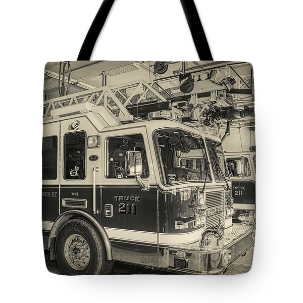 Truck And Engine 211 Tote Bag