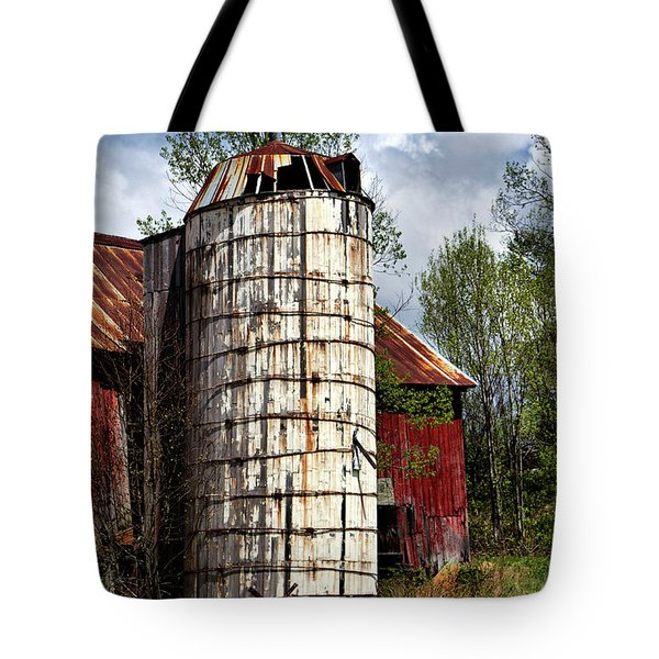 Tote Bag featuring the photograph Vermont Farmhouse Silo  by Betty Pauwels