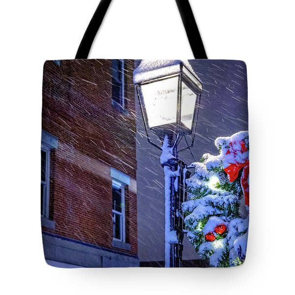 Wreath On A Lamp Post Tote Bag