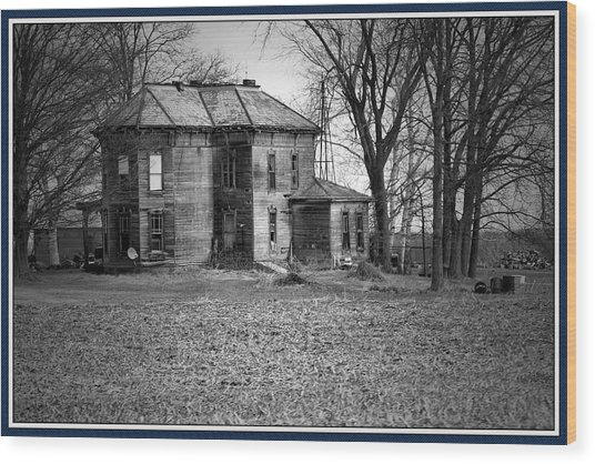 An Old Homestead Wood Print