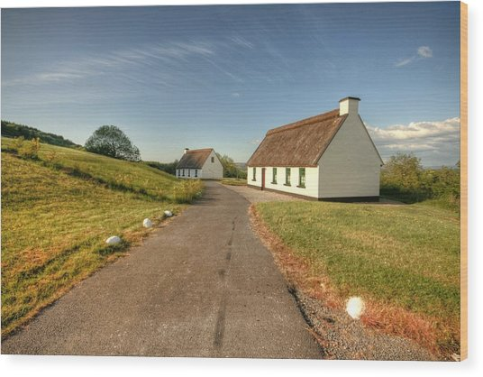 Corofin Thatched Cottages Wood Print by John Quinn