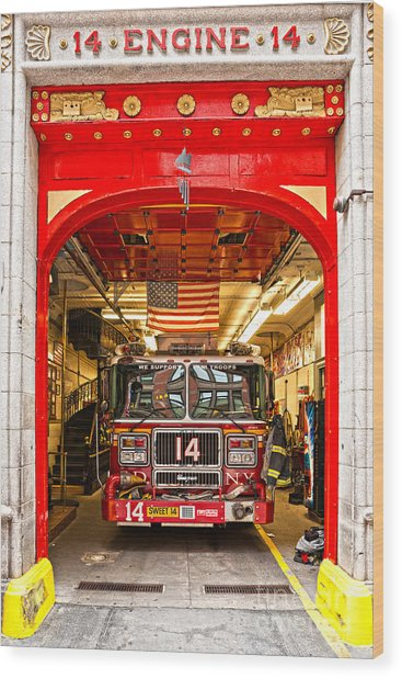 New York Fire Department Engine 14 Wood Print