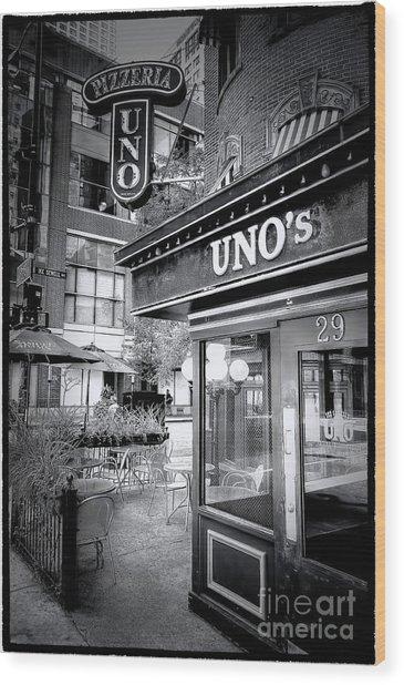 0748 Uno's Pizzaria Wood Print