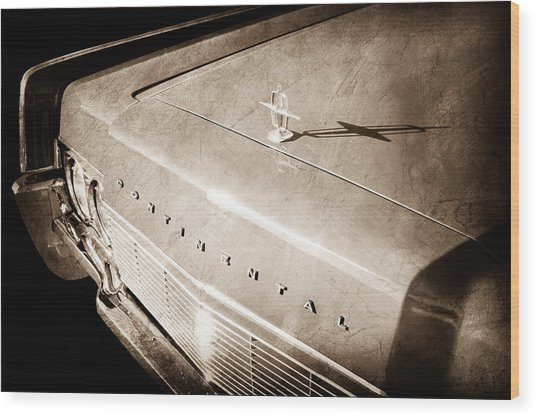 1967 Lincoln Continental Hood Ornament - Emblem Wood Print