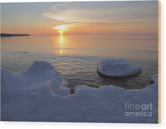 An Icy  Superior Sunrise Wood Print