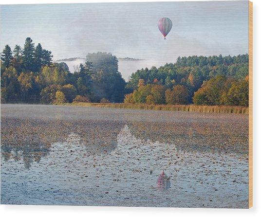 Balloon Rise At Dawn Wood Print by Gloria Merritt