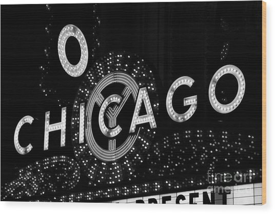 Chicago Theater Sign In Black And White Wood Print by Paul Velgos