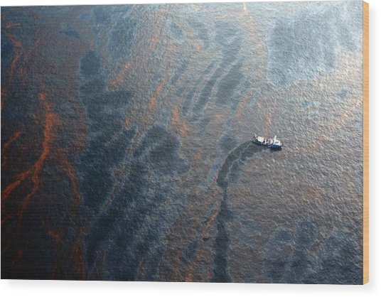 Coast Guard Attempts Burning Off Oil Leaking From Sunken Rig Wood Print by Chris Graythen