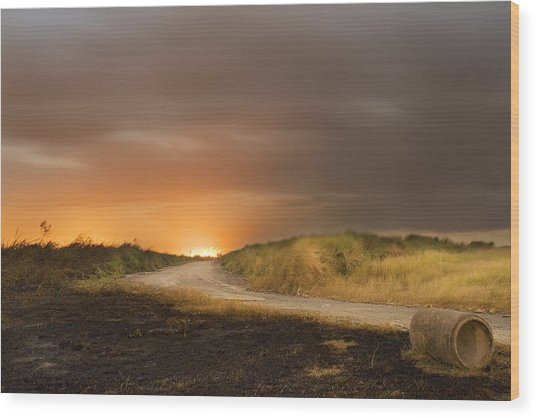 Fire On The Horizon Wood Print