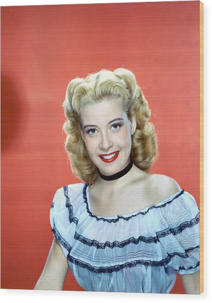Gloria Dehaven Wood Print