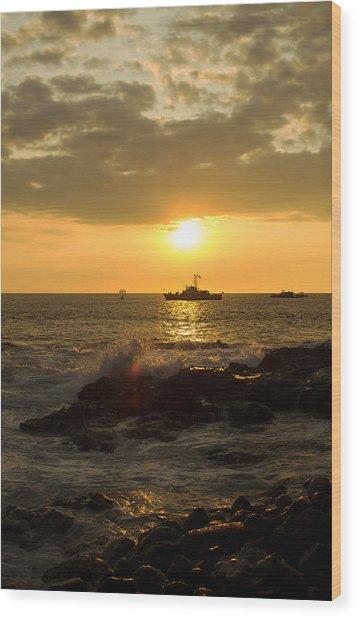 Hawaiian Waves At Sunset Wood Print