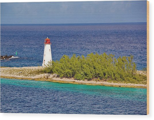 Hog Island Lighthouse On Paradise Island Bahamas Wood Print