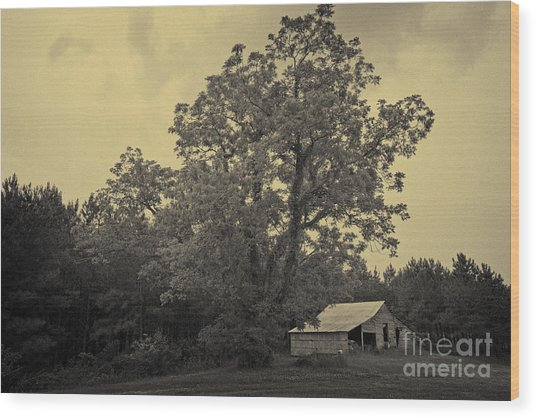 Howard Barn Wood Print by Russell Christie