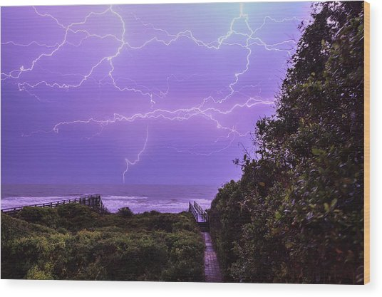 Lightning Over The Beach Wood Print