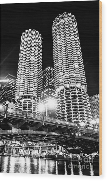 Marina City Towers At Night Black And White Picture Wood Print by Paul Velgos