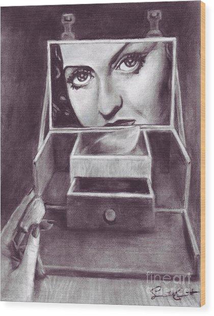 1 Minute Miss Davis Wood Print
